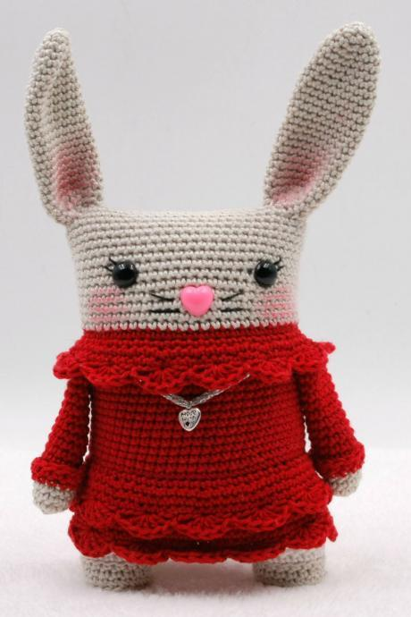 Crochet pattern: Ninon the square bunny